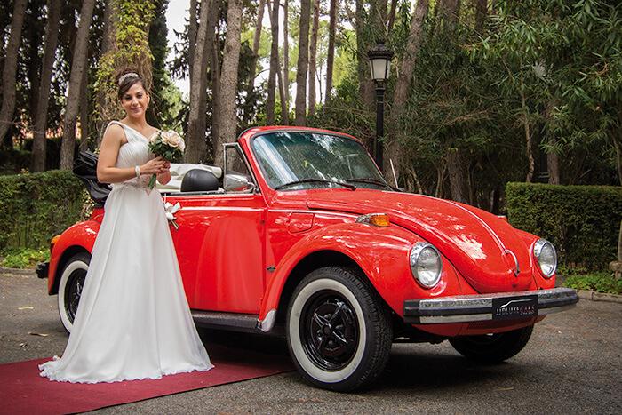 alquiler de escarabajo volkswagen beetle rojo 1973 en valencia bodas eventos rodajes jj dluxe cars portada