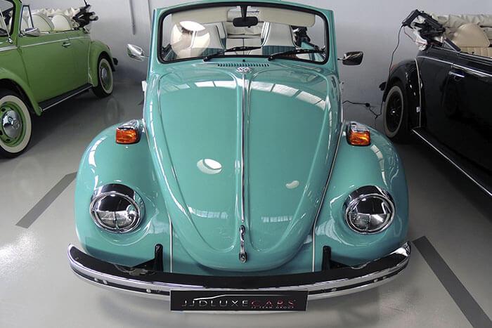 volkswagen vw beetle escarabajo cabrio descapotable 1969 azul blanco alquiler de coches para bodas eventos y rodajes en valencia jjdluxe cars