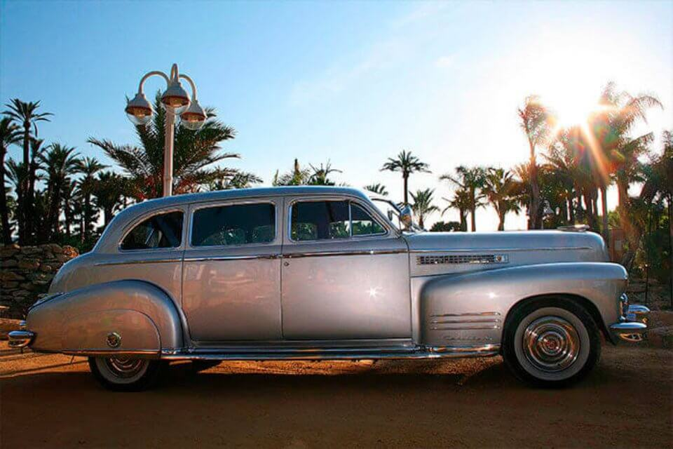 alquiler de cadillac en valencia deville sedan 1949 plata coches clasicos antiguos vintage bodas eventos rodajes jjdluxe cars