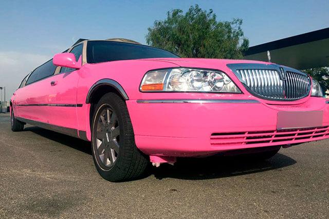 alquiler de limusina rosa en valencia lincoln town pink bodas eventos rodajes jj dluxe cars