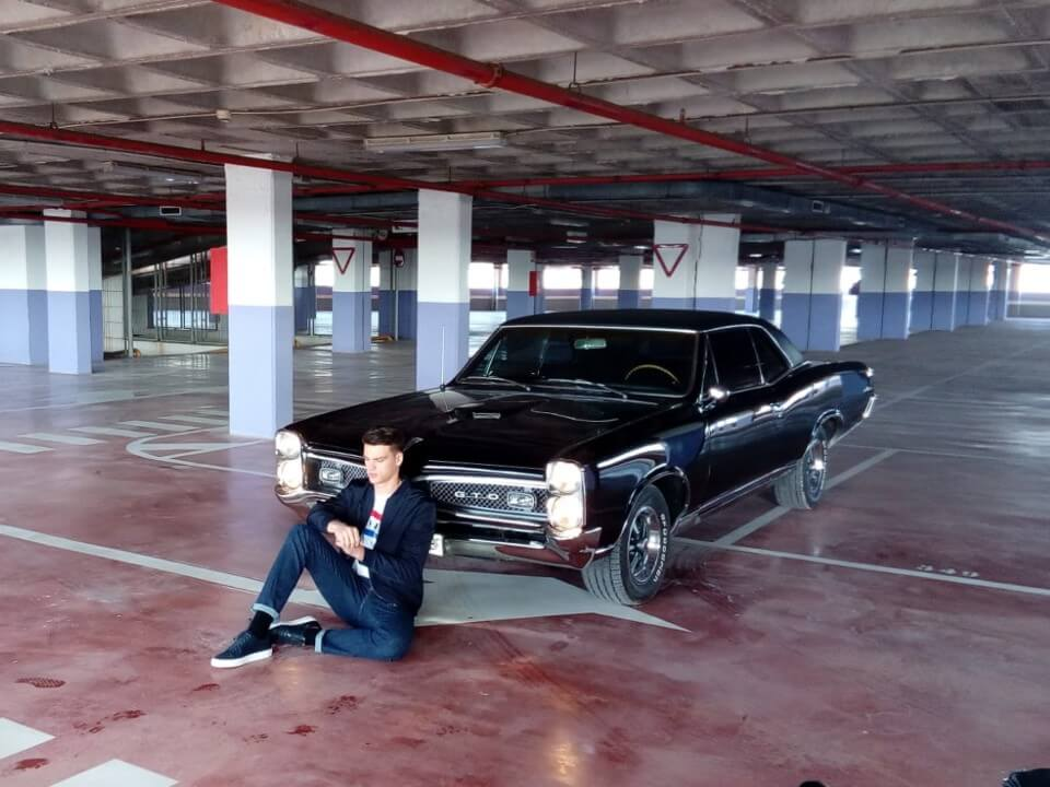 alquiler de coches para rodajes videoclips musicales eventos jj dluxe cars valencia servicio