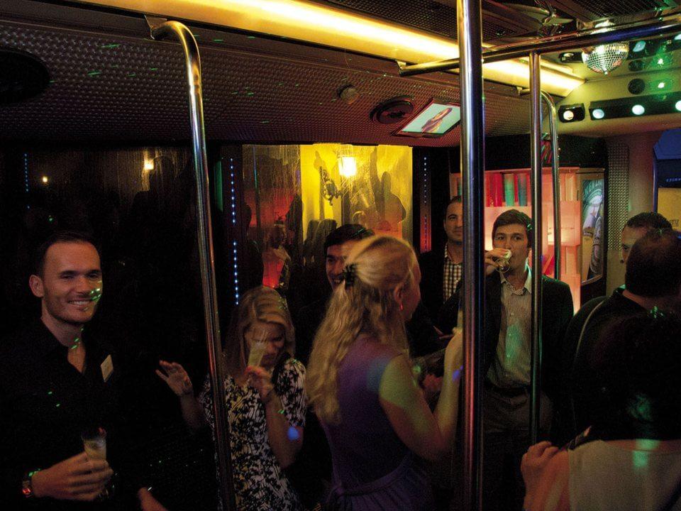 alquiler de discobus en valencia despedidas soltera fiestas cumpleanos eventos jj dluxe cars 6
