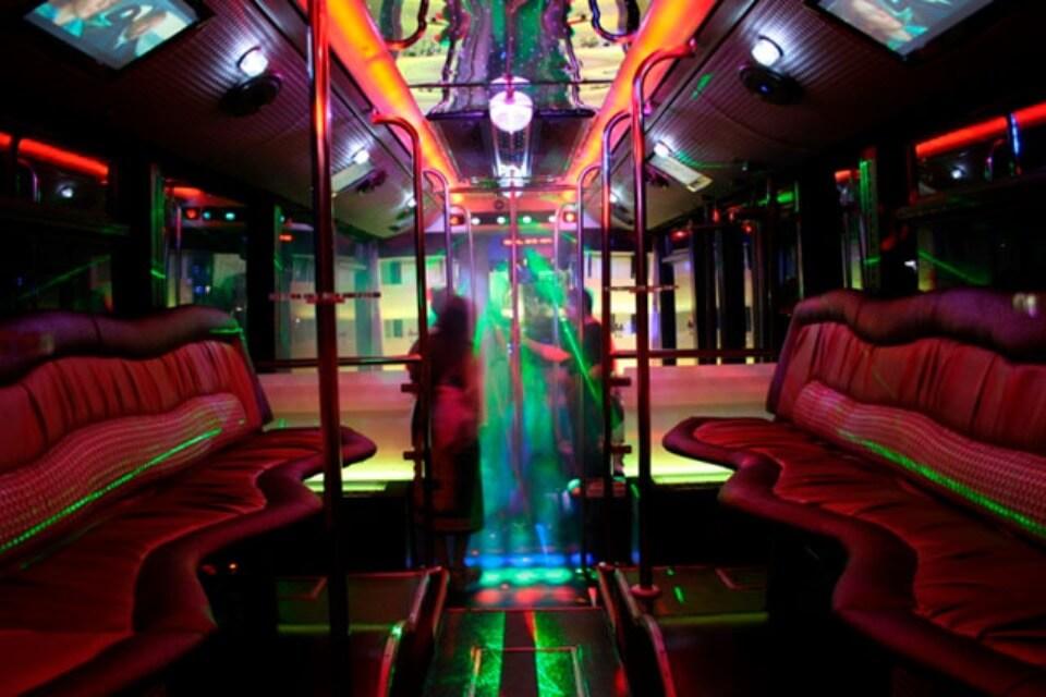 alquiler de discobus en valencia transfers despedidas soltera fiestas cumpleanos eventos 50 personas jj dluxe cars 7